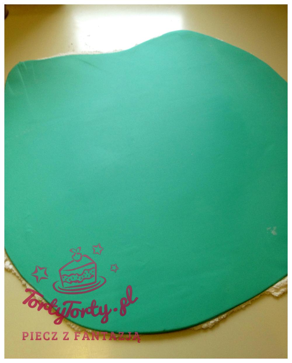 rozwałkowany lukier JAK OBŁOŻYĆ TORT MASĄ CUKROWĄ?