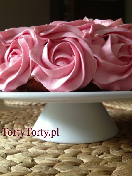 tort na paterze1 DEKOROWANIE TORTÓW WŁOSKIM KREMEM MAŚLANYM