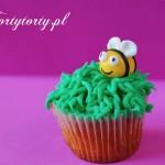 pszczolka na muffince 150x150 DEKOROWANIE BABECZEK KREMEM