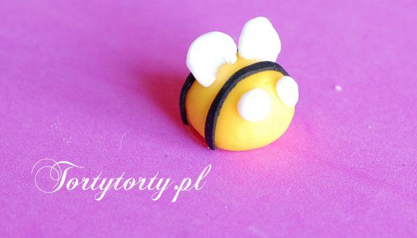 Pszczolka z masy cukrowej oczy MASA CUKROWA PSZCZÓŁKA
