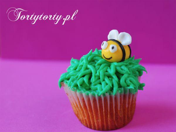 pszczolka na muffince MASA CUKROWA PSZCZÓŁKA